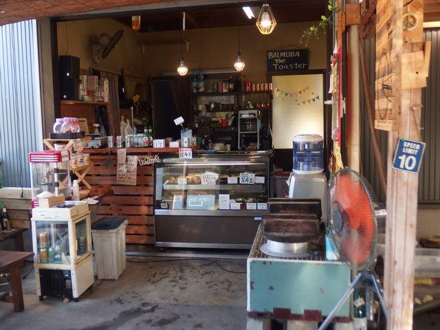 青木煮豆店の中の様子1